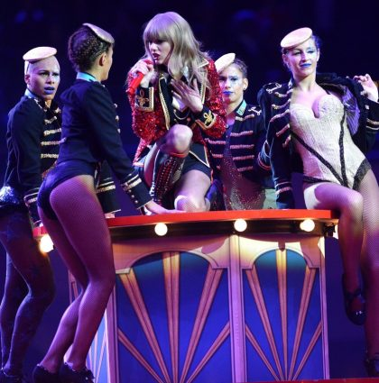 MTV Top 20 OMG! EMA Moments – No.10 Taylor Swift